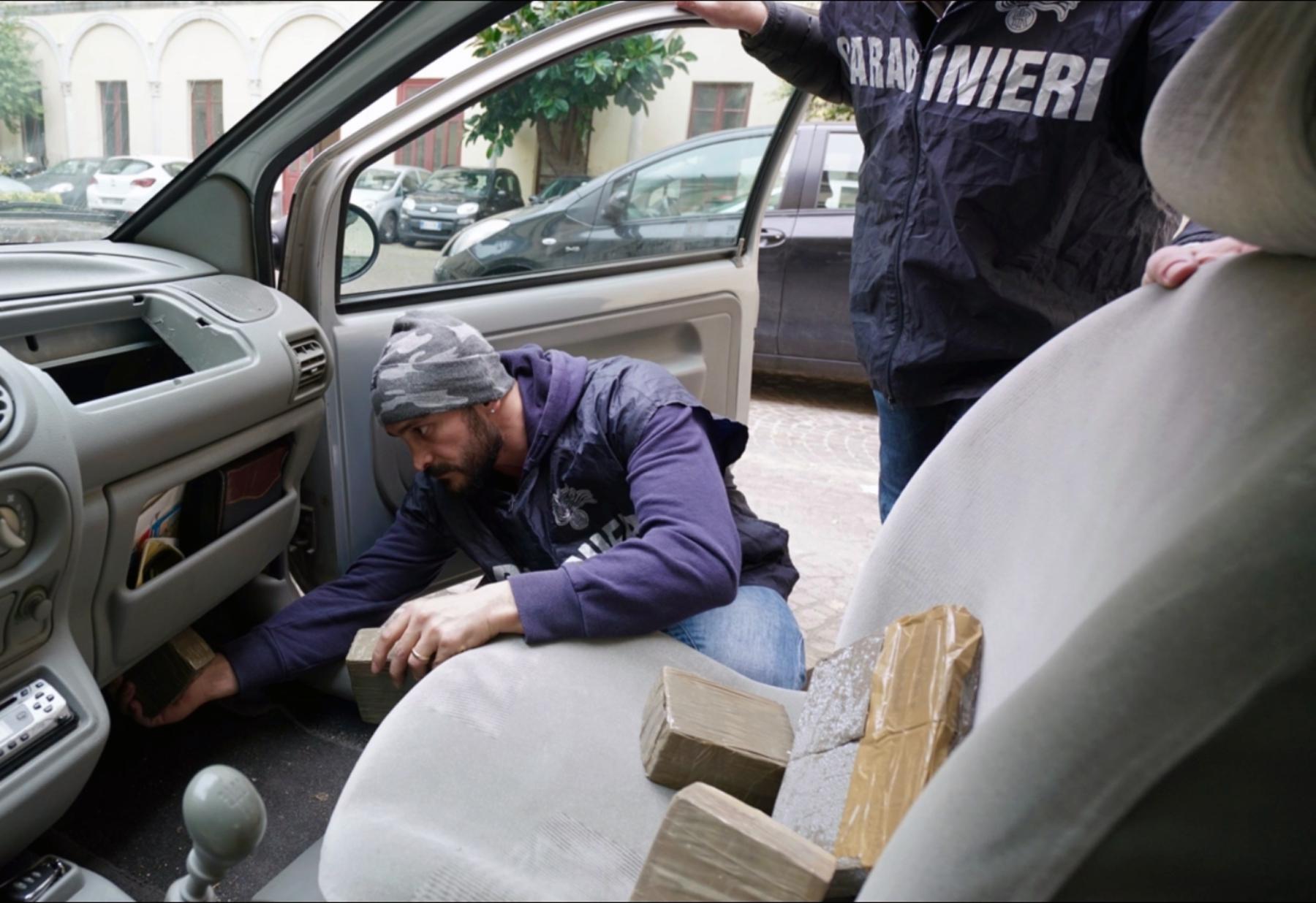 Camorra traffico di droga da marocco e spagna arrestati - Droga dei sali da bagno ...