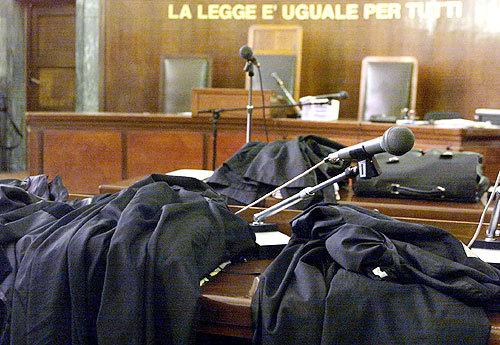 Giro di tangenti in Tribunale, la Cassazione gela la Procura - ROMA on line