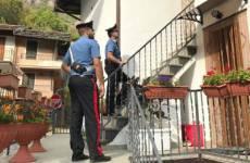 Torino, accoltella a morte figlia di 6 anni e si uccide