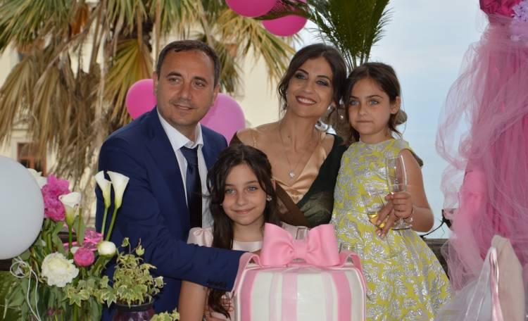 Popolare Grande festa in casa Esposito per la Prima Comunione di Cristina ZA88