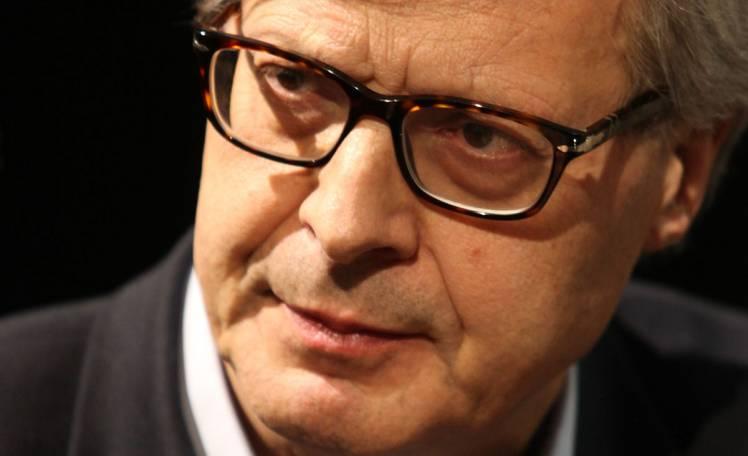 Elezioni, Sgarbi: esposto alla magistratura per verificare titoli di studio di Di Maio