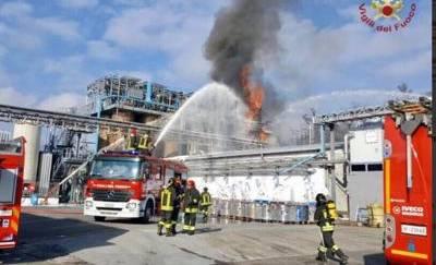 Esplode azienda chimica nel Comasco: 7 feriti