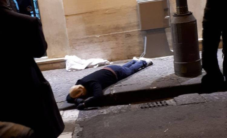 Frattamaggiore. Rapina in gioielleria finisce nel sangue:un morto