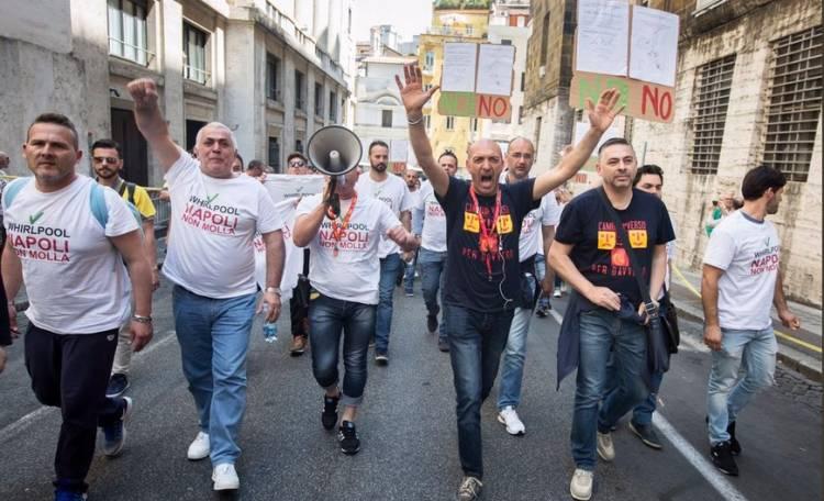 Gli operai della Whirlpool a Roma