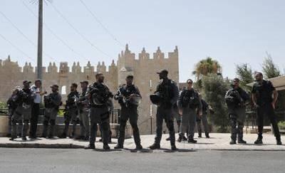 Attacco a Gerusalemme, morti due agenti: uccisi gli assalitori