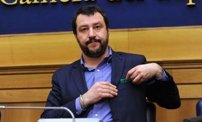 Salvini: «Conti bloccati, vogliono imbavagliare Lega»