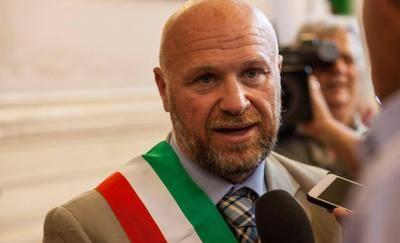 Alluvione di Livorno, il sindaco M5S Nogarin indagato per omicidio colposo