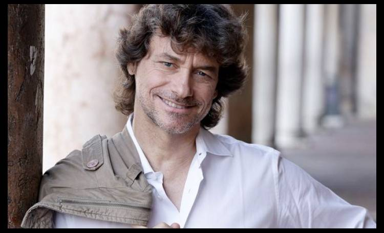 Il Comune di Napoli conferirà ad Alberto Angela la cittadinanza onoraria