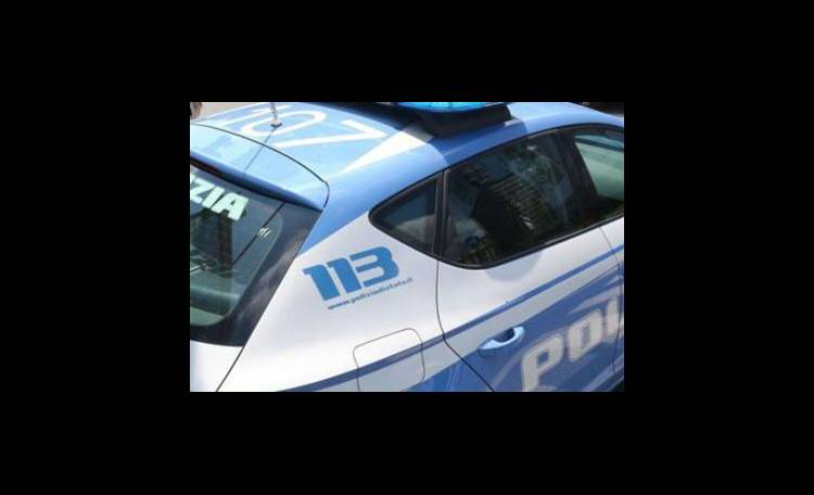 Napoli, si ustiona per dare fuoco a casa dell'ex: arrestato