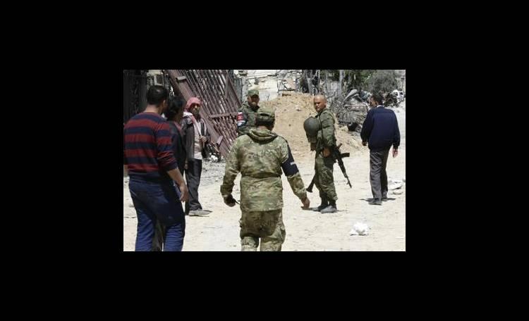 Siria: tv Stato, fossa comune con 30 cadaveri a Duma