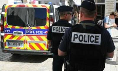 costa azzurra donna arrestata accoltella
