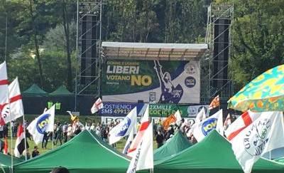 Lega: Salvini, mai servi, neanche di Berlusconi. E Bossi rilancia la secessione