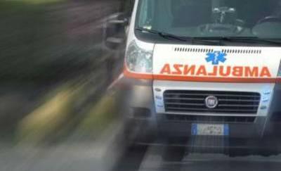 Roma, si lancia dalle scale: 13enne suicida a scuola
