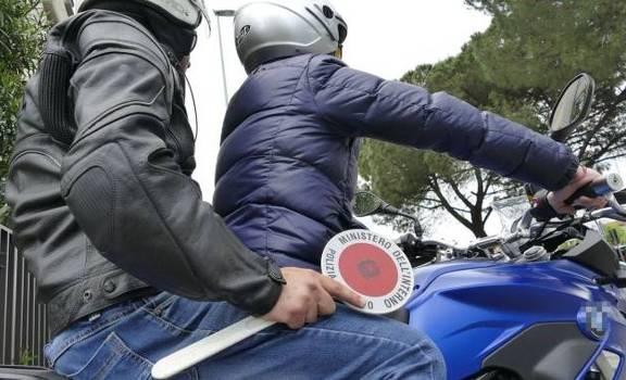 Rapinatore bloccato dai Falchi in piazza Garibaldi