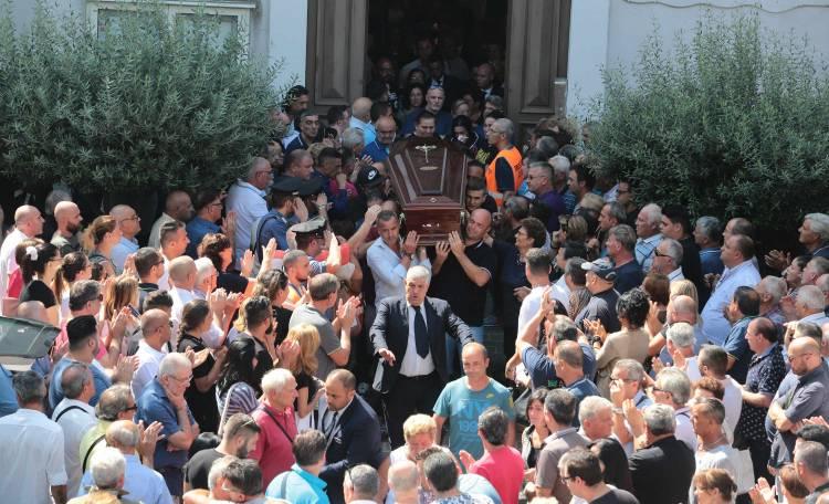 funerali casalnuovo ponte genova