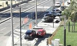 Largo Pignatelli, inaugurazione con Delrio. «È già un parcheggio abusivo»