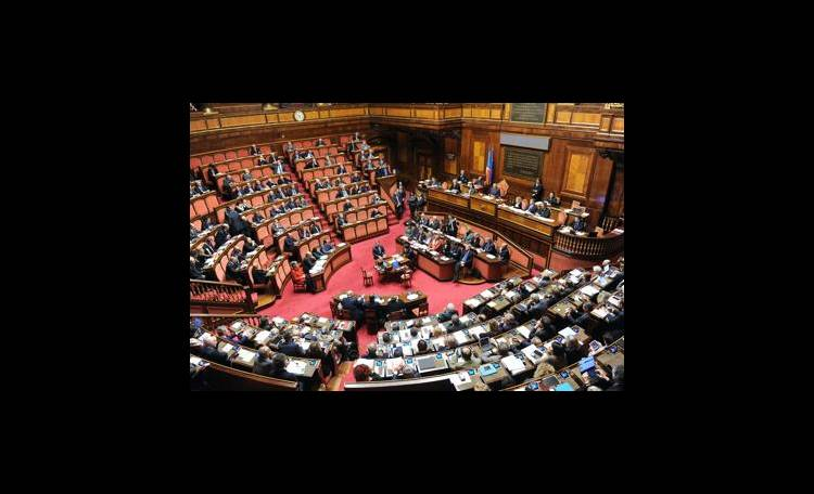 Governo battuto al Senato: polemiche su