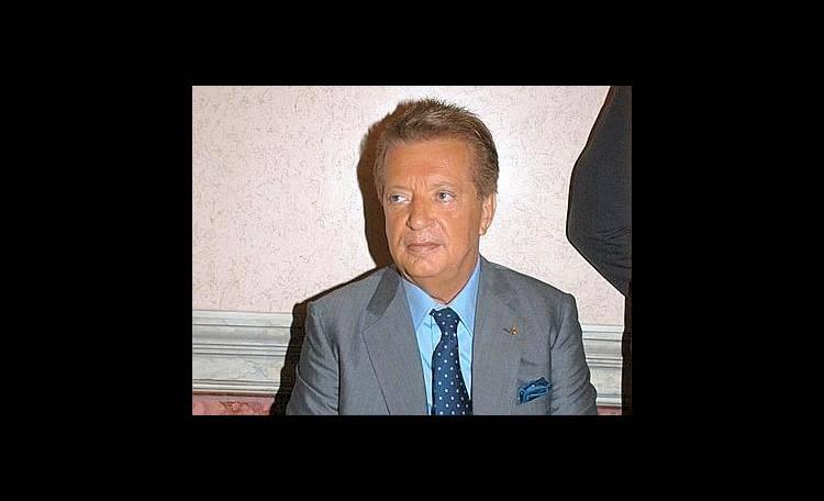 Vittorio Cecchi Gori migliora e accoglie Rita Rusic ei 2 figli