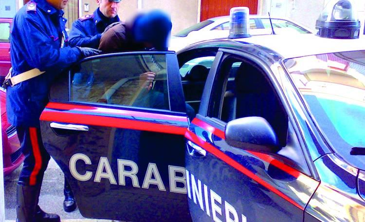 Nola - Tentato omicidio con movente passionale, due uomini in manette