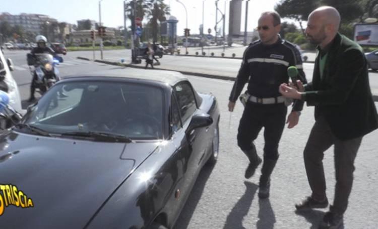 La polizia gira senza assicurazione: sequestrate 7 tra auto e moto