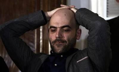 Saviano contro Ala: 'Sono questi gli alleati del Pd a Napoli? Vergogna'