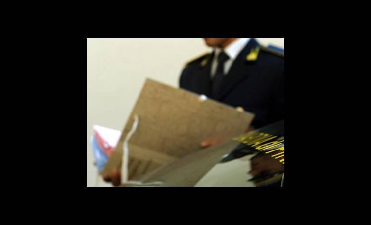 Napoli, soldi del Cnr per ristrutturare casa: arrestato funzionario